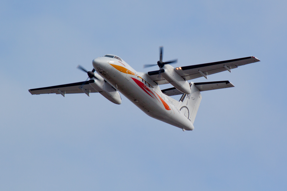 Air Creebec Dash 8-100